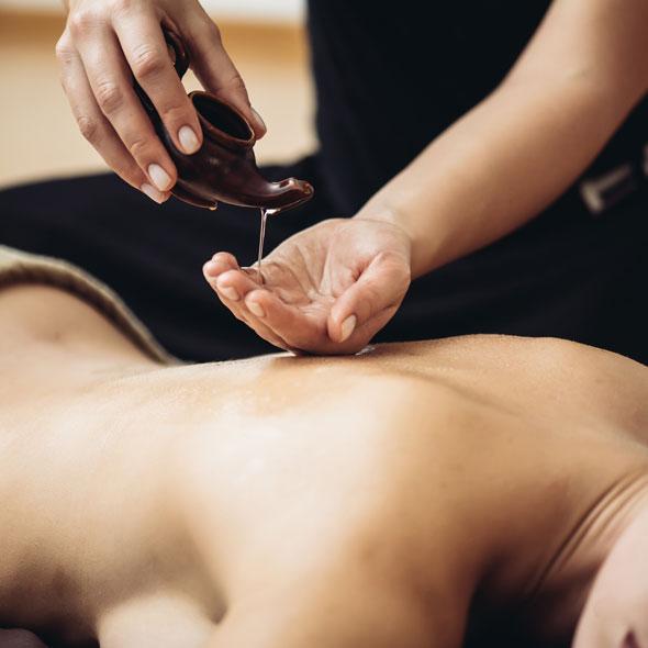 Massage avec de l'huile
